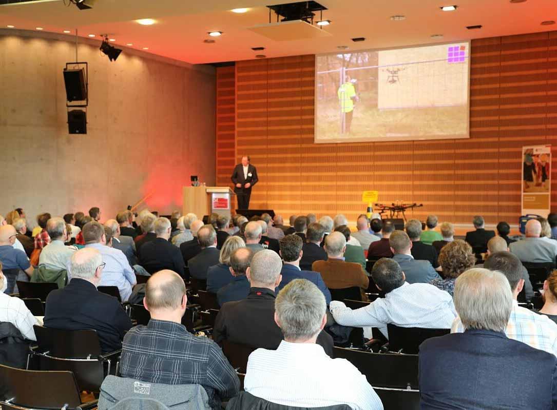 Vortrag von Dipl.-Ing. (FH) Stephan Eich Thema: Nutzung von Drohnen